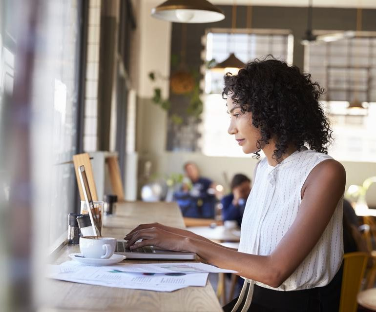 5 Signs It's Time To Take Your Side Hustle Full-Time